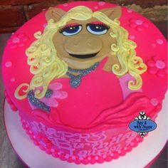 Cake with miss piggy
