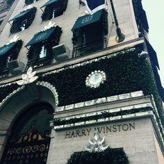Harry Winston at Christmas. New York Fifth Avenue