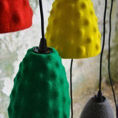Felt lamp shade for pendant light green Ikea hack Mason Jar Lamp, Ikea Hack, Table Lamp, Felt, Shades, Pendant, Unique Jewelry, Handmade Gifts, Green