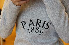 Vielä niitä paitoja... Graphic Sweatshirt, Paris, Sweatshirts, Sweaters, Fashion, Moda, Montmartre Paris, Fashion Styles, Paris France