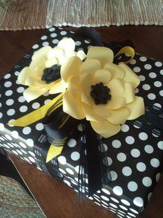 gift wrap idea with Cricut Flower Shoppe