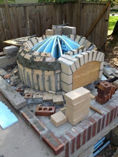 Backyard brick oven – Worth the Whistle Oven Diy, Diy Pizza Oven, Pizza Oven Outdoor, Pizza Ovens, Wood Burning Heaters, Wood Fire Pit, Fire Pits, Bread Oven, Four A Pizza