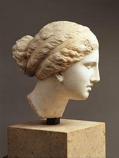 Cabeza de Afrodita de Cnido, Praxíteles, Mediados del siglo IV a.C Copia del 120-130 d.C Museo del Prado