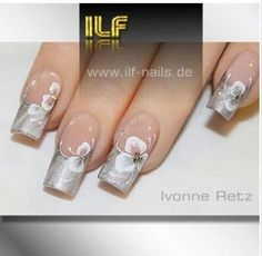 Silver nails with white flower Wedding Day Nails, Wedding Nails Design, Hot Nail Designs, Acrylic Nail Designs, French Nails, One Stroke Nails, Sculptured Nails, Uñas Fashion, Nails First