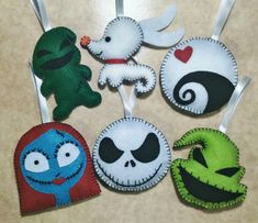 Home Decorating Ideas Kitchen and room Designs Nightmare Before Christmas Ornaments, Nightmare Before Christmas Wallpaper, Nightmare Before Christmas Halloween, Felt Halloween Ornaments, Diy Christmas Ornaments, Halloween Crafts, Christmas 24, Disney Felt Ornaments, Halloween