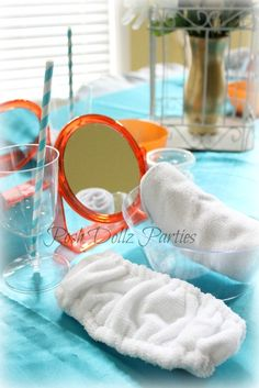 Table settings at a Spa Party #spaparty #table