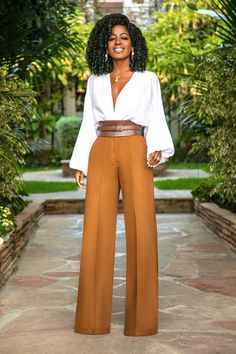 Style pantry bell sleeve bodysuit + high waist pintucked pants одежда в 201 Work Fashion, Fashion Pants, Fashion Looks, Fashion Outfits, Womens Fashion, Fashion Fashion, Fashion Ideas, Fashion Stores, Fashion Images
