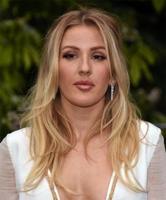 View yourself with this Ellie Goulding Long Wavy Blonde Hairstyle Medium Bob Hairstyles, Casual Hairstyles, Blonde Hairstyles, Layered Hairstyles, Pixie Haircuts, Braided Hairstyles, Long Wavy Hair, Short Hair Cuts, Ellie Goulding Hair