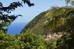 Saba is groen en een en al natuur, maar heeft maar een strand: Well's Bay.