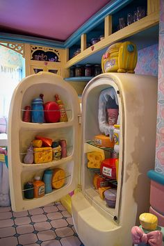 Minnie's Fridge! I remember going in there when I went to Disney! <3 aww i was so happy, i remember the pie in the oven rises, it was so cool, then again, i was about 6… <3