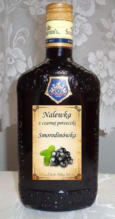 """Składniki: 3 kg. czarnej porzeczki 0.5 kg cukru 0,5 litra spirytusu (najlepszy staropolski z """"Polmos"""" Białystok) 1 litr wódki Żoł..."""