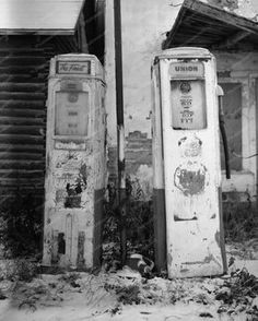Shell Gas Pump Abandoned Gas Station 8x10 Reprint Of Old Photo