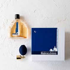 Maderas de Oriente is born in an approach to the Orient, its culture and over all its magic and phantasy, a combination of the lush Jazmín de Palacio with Rocio