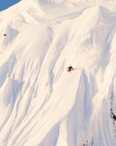 Photo by guestagrammer @dancarrphoto: The Sea to Sky Corridor in British Columbia features some of the best skiing on the planet. Although my work has grown to encompass a greater variety of photography, when I first came to live in this part of the world it was the skiing the brought me here. For this photo we headed up into the backcountry in the dark and the skier positioned himself on the ridge using light from his headlamp. Just as the sun crested the horizon, it bathed the slope in…