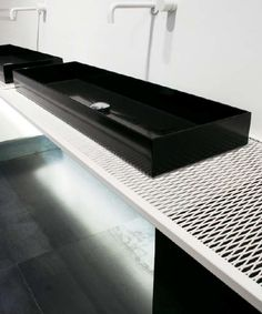 Vola in white, metal mesh counter, MOAB 80