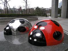 Pop Art Sculpture   ... Trains - Photo: ポップアート造形 Pop art sculpture, Shinjuku