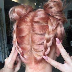 Blorange hair color is a new technique of hair dyeing. In this trendy technique of hair dyeing are mixed orange pigment and blond. Blorange Hair, Dye My Hair, New Hair, Cabelo Rose Gold, Rose Gold Hair, Peach Hair, Pastel Hair, About Hair, Gorgeous Hair