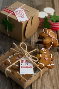 Dolce Salsarosa: Gingerbread cookies in a jar Christmas Cookies Packaging, Christmas Cookies Gift, Christmas Biscuits, Christmas Hamper, Cookie Packaging, Christmas Desserts, Christmas Treats, Christmas Baking, Christmas Time
