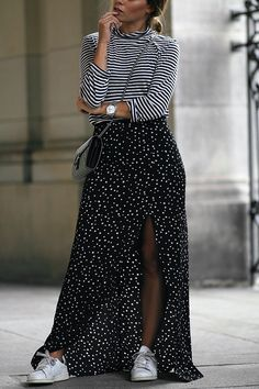 Outfit: Stars and Stripes. Desi is wearing: Striped turtle neck shirt, maxi skirt with stars, gucci dionysus mini, Adidas Stan Smith sneakers - teetharejade.com