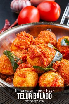 Easter means plenty of eggs, especially if you have kiddies joining egg hunting event. This telur balado - Indonesian spicy eggs recipe is a foolproof way of… Egg Recipes, Lunch Recipes, Asian Recipes, Mexican Food Recipes, Vegetarian Recipes, Breakfast Recipes, Cooking Recipes, Healthy Recipes, Ethnic Recipes