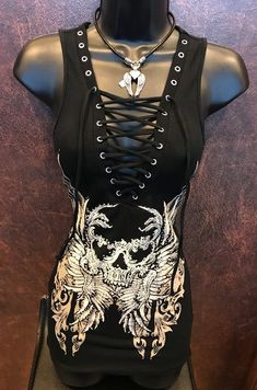 Awesome Harley Davidson photos are offered on our web pages. Take a look and you wont be sorry you did. Skull Fashion, Gothic Fashion, Diy Fashion, Fashion Outfits, Womens Fashion, Fashion Fall, Biker Fashion, Fashion Edgy, Fashion Brands
