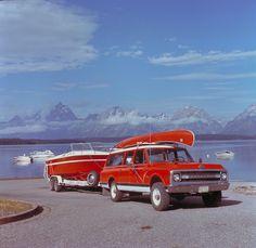 Gm Trucks, Cool Trucks, Chevy Trucks, Cool Cars, Station Wagon, General Motors, Vintage Trucks, Vintage Ads, Hot Rods