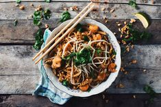 Here is an authentic chicken and shrimps Pad Thai recipe. Enjoy this meal with some warm sake and go easy on the Sriracha! Easy Thai Recipes, Asian Recipes, Ethnic Recipes, Shrimp Pad Thai, Chicken And Shrimp, Pad Thai Sauce, Exotic Food, Fresh Coriander, Us Foods