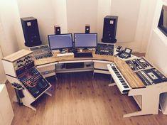 Ideas music studio desk dj setup for 2019 Recording Studio Furniture, Music Recording Studio, Audio Studio, Music Studio Room, Music Production Studio, Sound Studio, Home Studio Musik, Home Studio Setup, Studio Gear