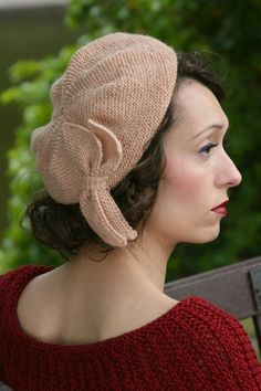 Sunday Pictorial Beret in Susan Crawford Excelana 4 Ply | Knitting Patterns | LoveKnitting