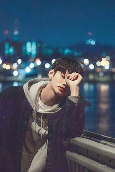Ong Seongwu Song Kang Ho, Sung Kang, Tumblr Photography, Photography Poses, Ong Seung Woo, Lee Min Ho Photos, Korean People, Kim Jaehwan, Na Jaemin