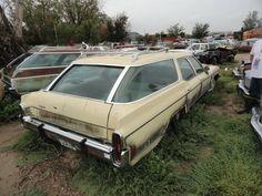 Eastern Colorado bone yard Abandoned Vehicles, Abandoned Cars, Demolition Derby, Car Barn, Derby Cars, Rusty Cars, Rolling Stock, Barn Finds, Destruction