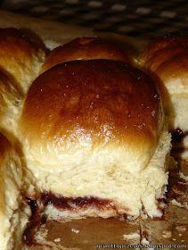 GRUNT TO PRZEPIS!: Maślane bułeczki przytulone z powidłami śliwkowymi Hamburger, Beef, Ethnic Recipes, Food, Bakken, Meat, Essen, Burgers, Meals