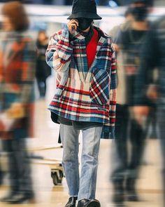 Korean Fashion Men, Kpop Fashion, Fashion Outfits, Airport Fashion, Daesung, G Dragon Fashion, Vintage Street Fashion, Bigbang G Dragon, Big Bang