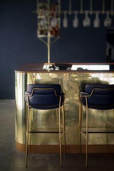 Mid-Century Bar Chairs Meet Modern Lighting Pieces You'll Love Retro Home Decor, Luxury Home Decor, Home Decor Kitchen, Kitchen Modern, Bar Kitchen, Kitchen Black, Kitchen Island, Kitchen Cabinets, Stylish Kitchen