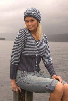 Jakke med striper og høy vrangbord Knit Jacket, Diy Fashion, Men Sweater, Hipster, Pullover, Knitting, Sweaters, Vests, Tejidos