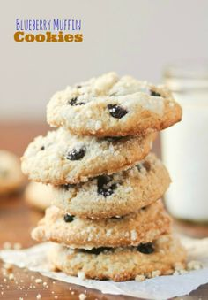 Blueberry Muffin Cookies -- cakey cookies filled with fresh blueberries and sprinkled with crumb topping!