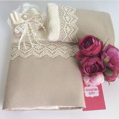 havlu dantel lace .süs sabun Decorative Hand Towels, Sewing Projects, Projects To Try, Linens And Lace, Handicraft, Christmas Crafts, Decoration, Handmade, Gifts