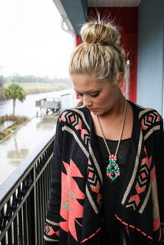 ⚜BuffyVS⚜Womens⚜Teen⚜Outfits⚜⚜Tribal⚜Bling⚜Luxury⚜Runway ⚜Heels⚜Jewelry⚜Boho⚜& More⚜ ⚜Tribal cardigan w/beaded necklace ⚜ Aztec Sweater Outfit, Tribal Print Cardigan, Sweater Cardigan, Passion For Fashion, I Love Fashion, Fashion Beauty, Messy Bun, Perfect Bun, Ballerina Bun