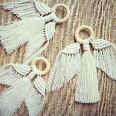Unique minimal design adds subtle style for the festive season. Works as a wall hanging or tree decoration. Each Angel is hand knotted using unbleached cotton cord and untreate Macrame Art, Macrame Projects, Macrame Knots, Macrame Modern, Wall Hanging Christmas Tree, Christmas Tree Decorations, Micro Macramé, Macrame Patterns, Minimal Design