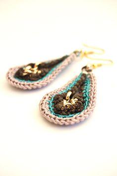 earrings peacock crochet drop gold chain silkcotton by gudbling, €29.00