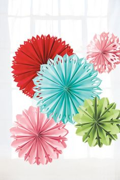 Gift your crafty mom these gorgeous paper flowers #madeformom