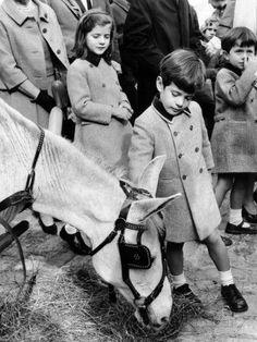 Caroline Kennedy, John F Kennedy Jr, and Cousin, Anthony Radziwill, at NY World's Fair, April 2, 1965