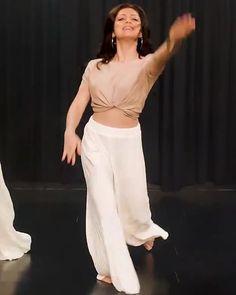 Instagram Drashti Dhami, Pants, Instagram, Dresses, Fashion, Trouser Pants, Vestidos, Moda, La Mode