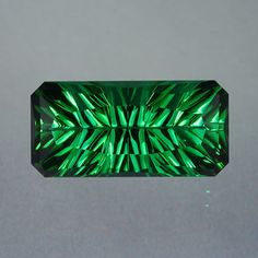 14.24-carat Green Tourmaline gemstone features the Concave cut © John Dyer Gems