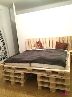 How to make a DIY Pallet Bed? - How to make a DIY Pallet Bed? – If you have shifted to a new h - Pallet Bed Frames, Diy Pallet Bed, Diy Bed Frame, Diy Pallet Projects, Reclaimed Wood Furniture, Diy Pallet Furniture, Kids Bed Canopy, Bed Design, Decoration