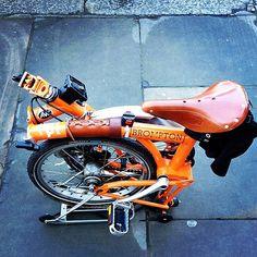 Brompton M3R... #brompton #foldingbike #biking #london #iphone #brooks