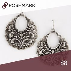 """✨Antique Oval Intricate Design Earings • The picture truly shows how gorgeous these earrings truly are! Definitely one of a kind! Hook earrings. Approx 1.6 x 2"""" Jewelry Earrings"""