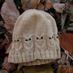 Autumn owls #autumn🍁 #owl #knittersofinstagram #knittedowl #owlmania #hat #knittedhat #beige #handmade #sarajevo #bosnia #winterhat #accessories #ravelry #redheartyarn #giftforkids #giftideas #autumnday #etsyshop #etsygifts #christmasgifts #winteriscoming