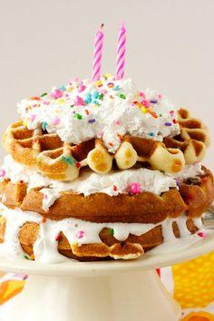 Types Of Birthday Cakes, Creative Birthday Cakes, Birthday Cake For Him, 40th Birthday Cakes, Birthday Desserts, Happy Birthday, Pool Party Cakes, Pool Cake, Waffle Cake