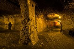 Spooky snaps show an incredible underground city that runs 18 storeys deep in Turkey – and a local only discovered it when he knocked down a wall in his house - Alien UFO Sightings Ancient Egyptian Art, Ancient Aliens, Ancient Greece, Sands Of Iwo Jima, Portal, Underground Caves, European History, American History, Ufo Sighting